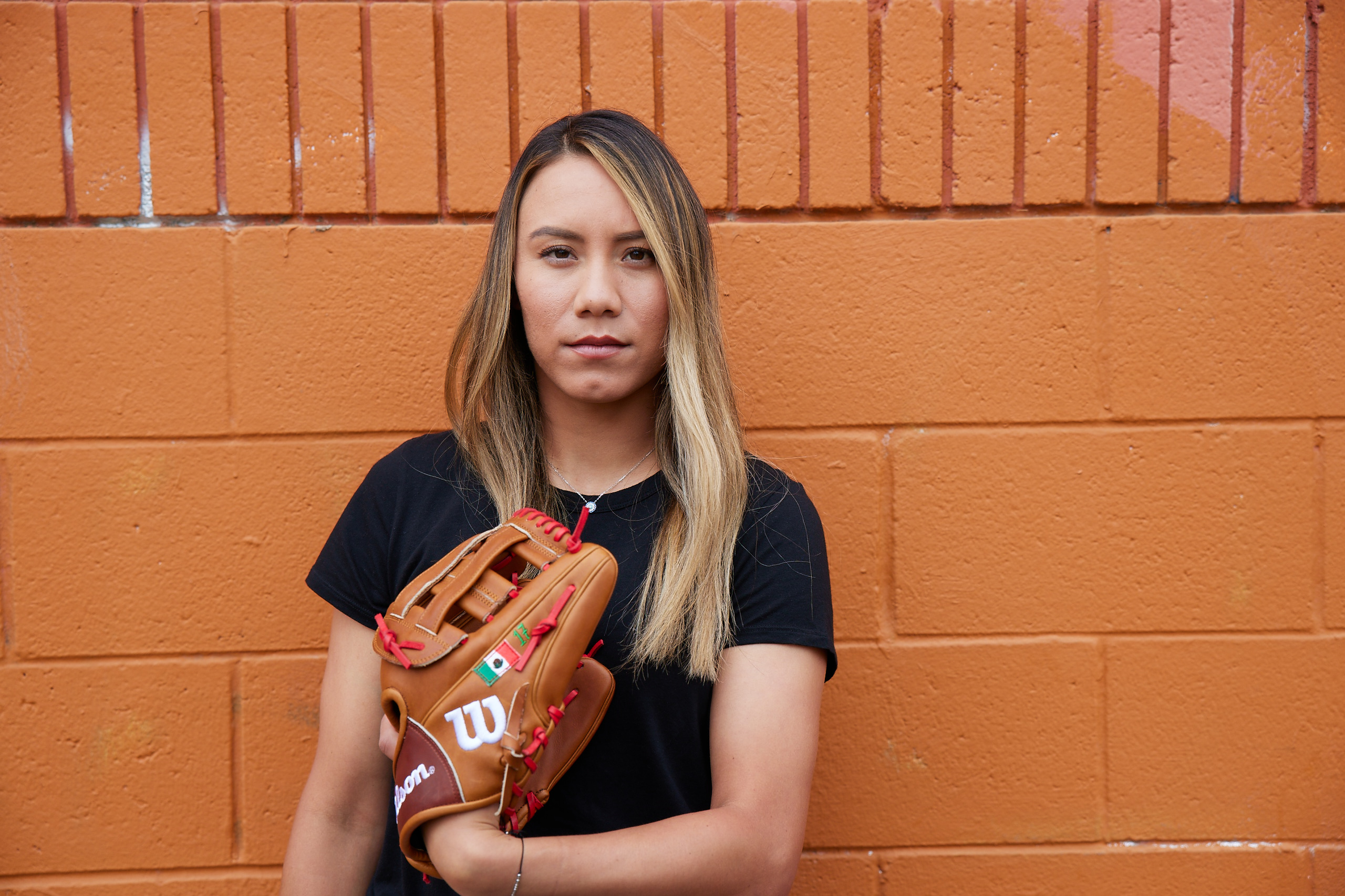 Anissa-Urtez-Wilson-Fastpitch-Softball-Athletes-Unlimited-A2000-Glove