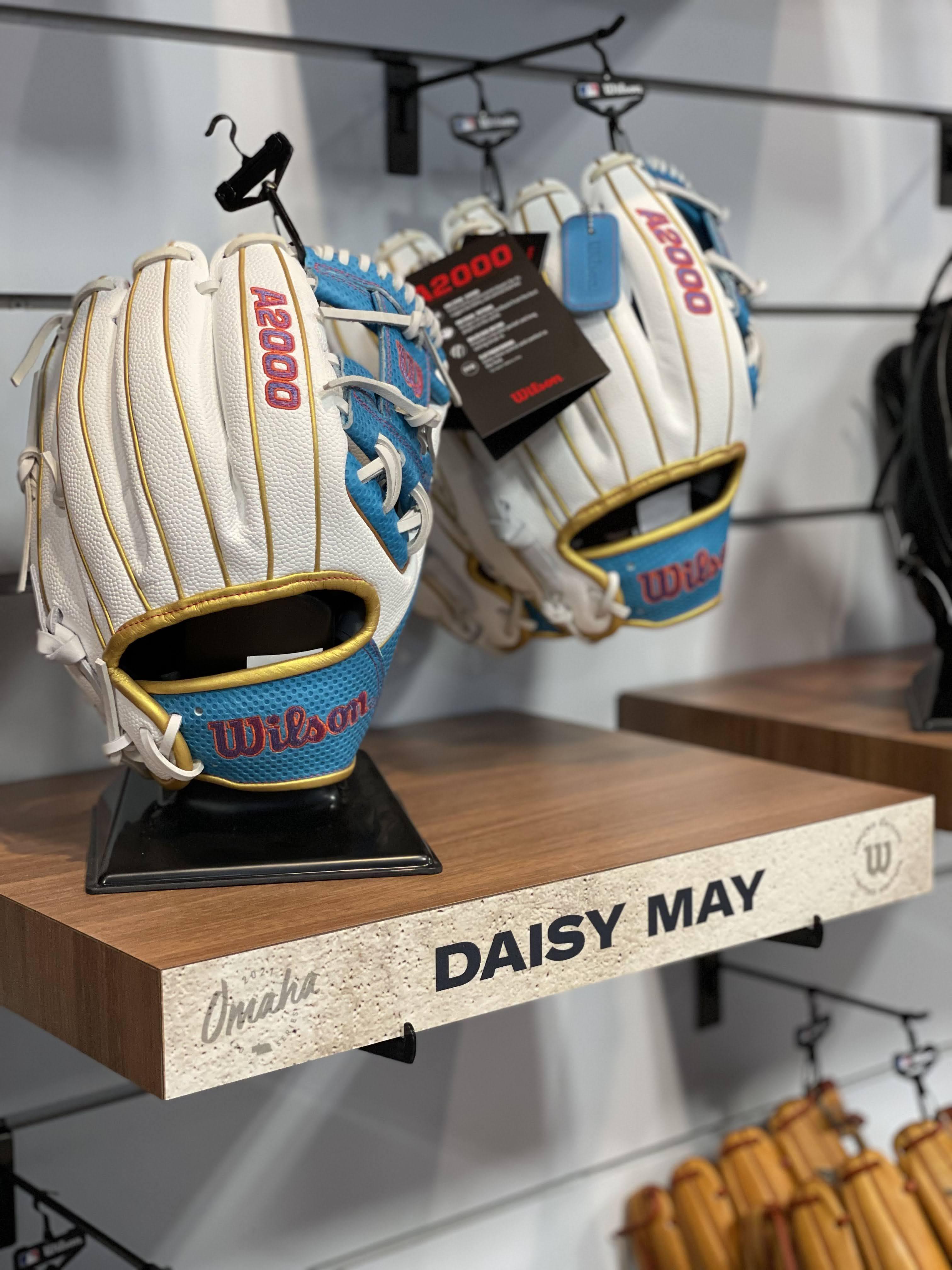 Daisy May glove